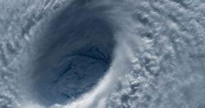 typhon japon une