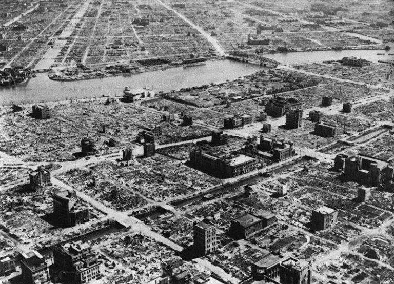 800px Tokyo 1945 3 10 1