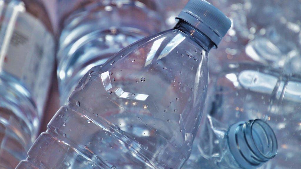 Bouteille en plastique recyclee au Japon