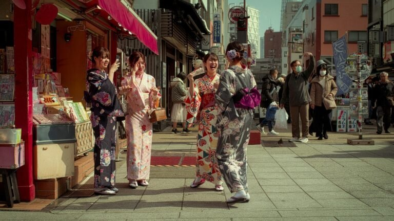 Des Japonaises en kimono